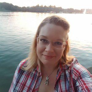 Autoreninneninterview Caroline Raven